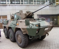 型式知らないけどとにかく装甲車